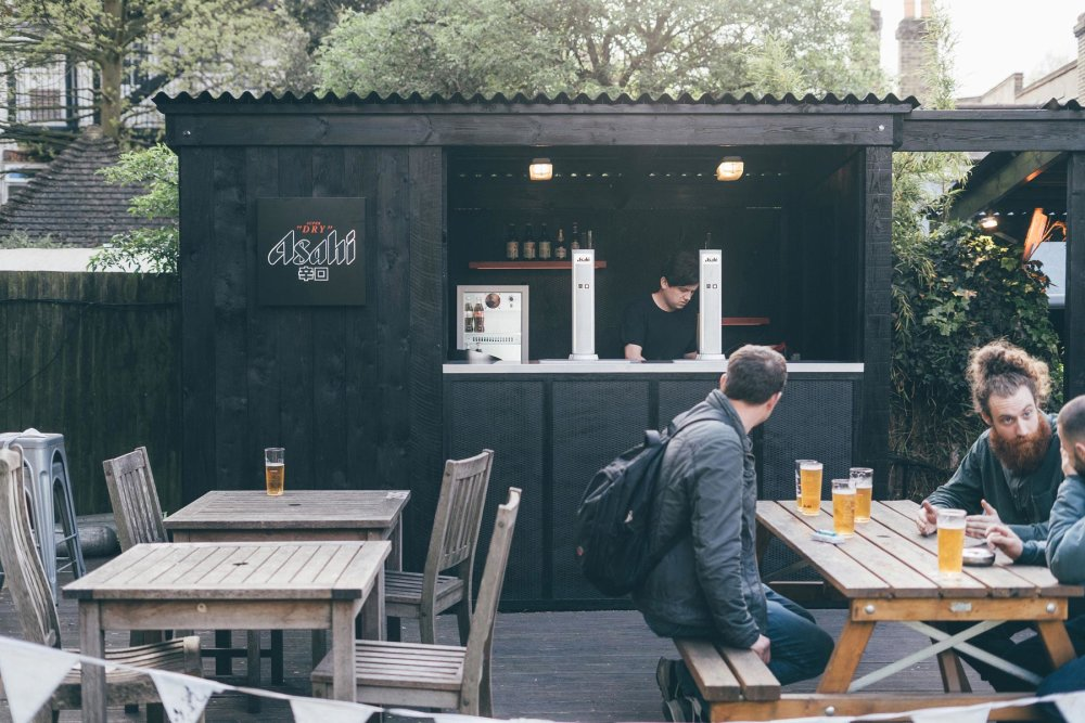 brand-activation-asahi-outside-bar