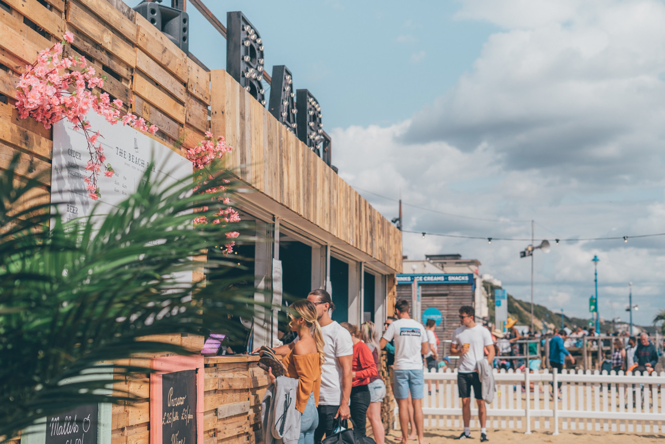 event-production-bournemouth-beach-container-bar