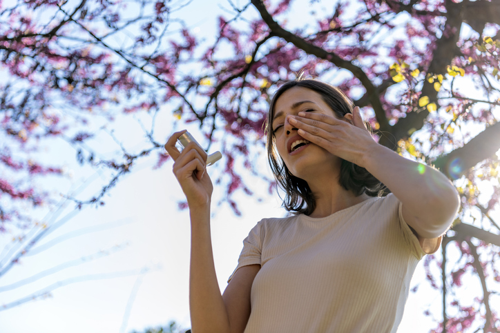 Sniffing, Sneezing and Scratching? Help for Hay Fever!