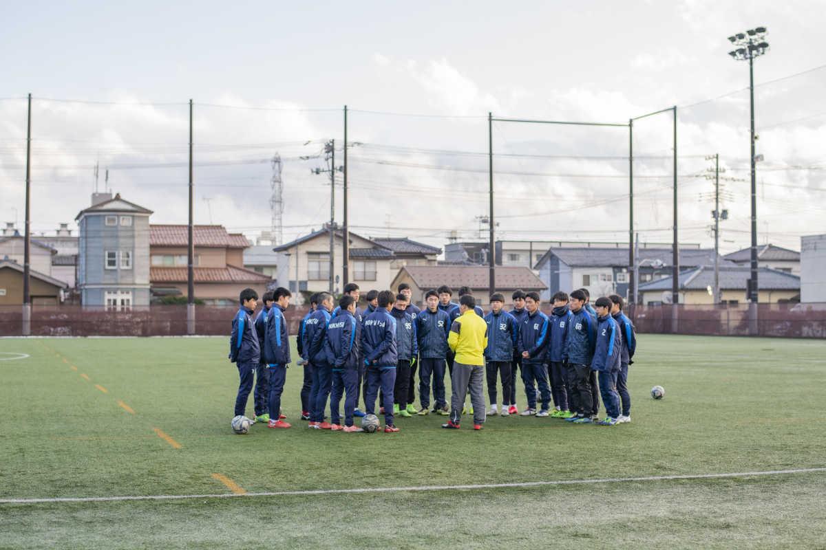 北越高校サッカー部の選手たち