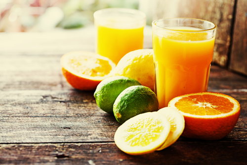 a small glass of fruit juice can help to treat a hypo in diabetes