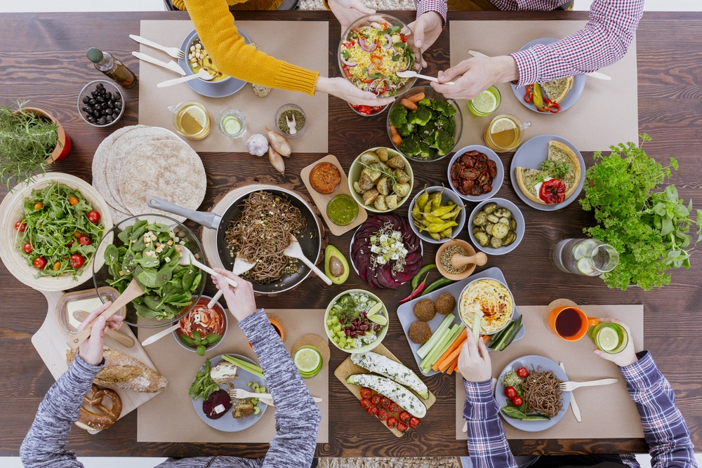 healthy eating with friends family to prevent type 2 diabetes