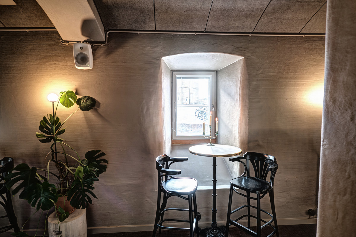 Kakolanruusu, a restaurant that is also housed in the former prison building but under separate ownership from the hotel, has likewise been supplied with a Genelec 4000 Series audio solution.