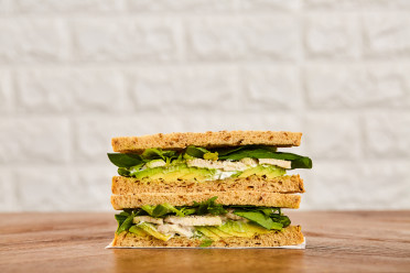 FR003485 Sandwich Poulet Avocat and Basilic
