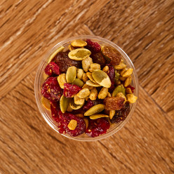 UK005737 Porridge Topping Cranberry and Seeds