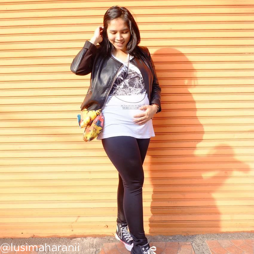 15-weeks-pregnant-and-showing-lusimaharanii