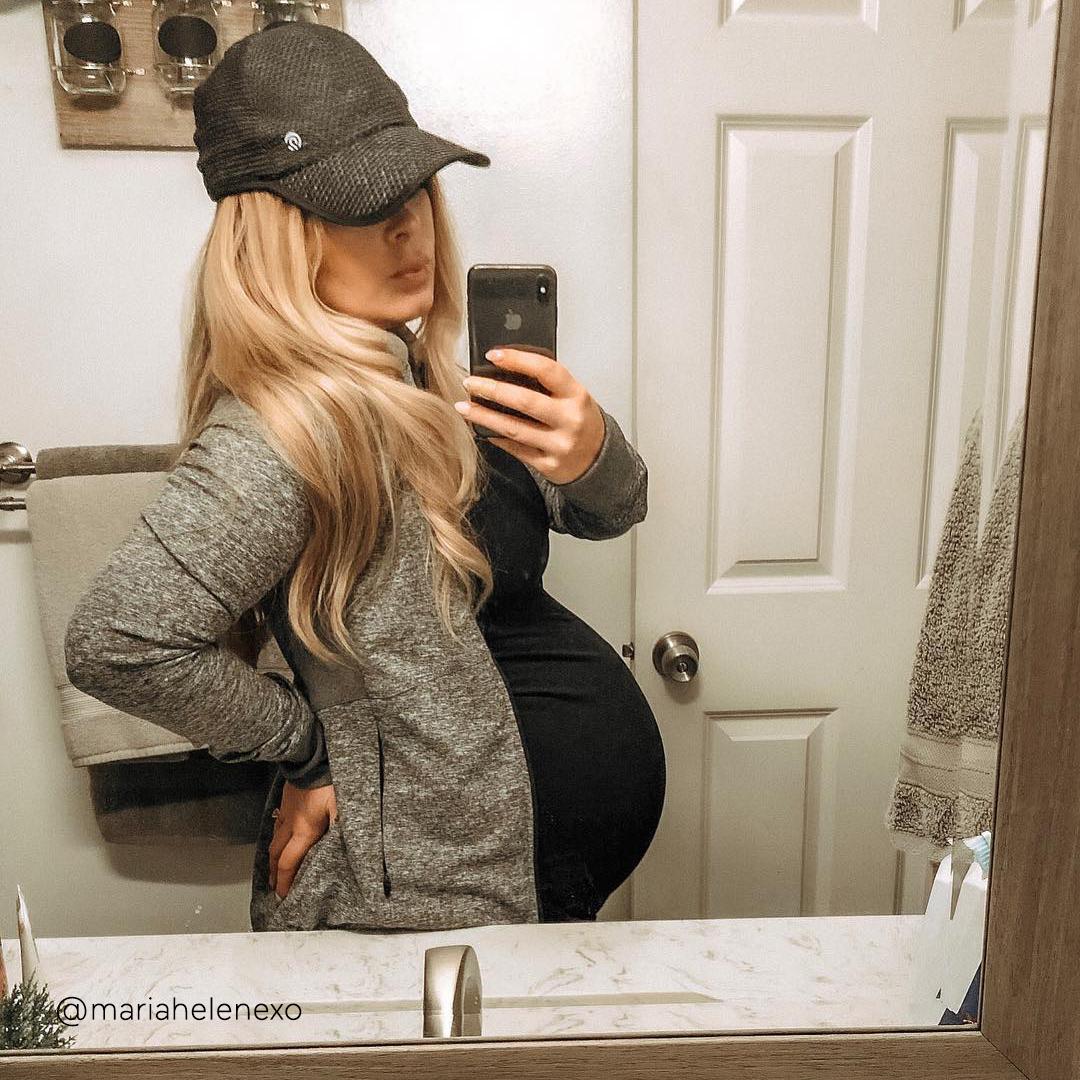 42-weeks-pregnant-bump-@mariahelenexo