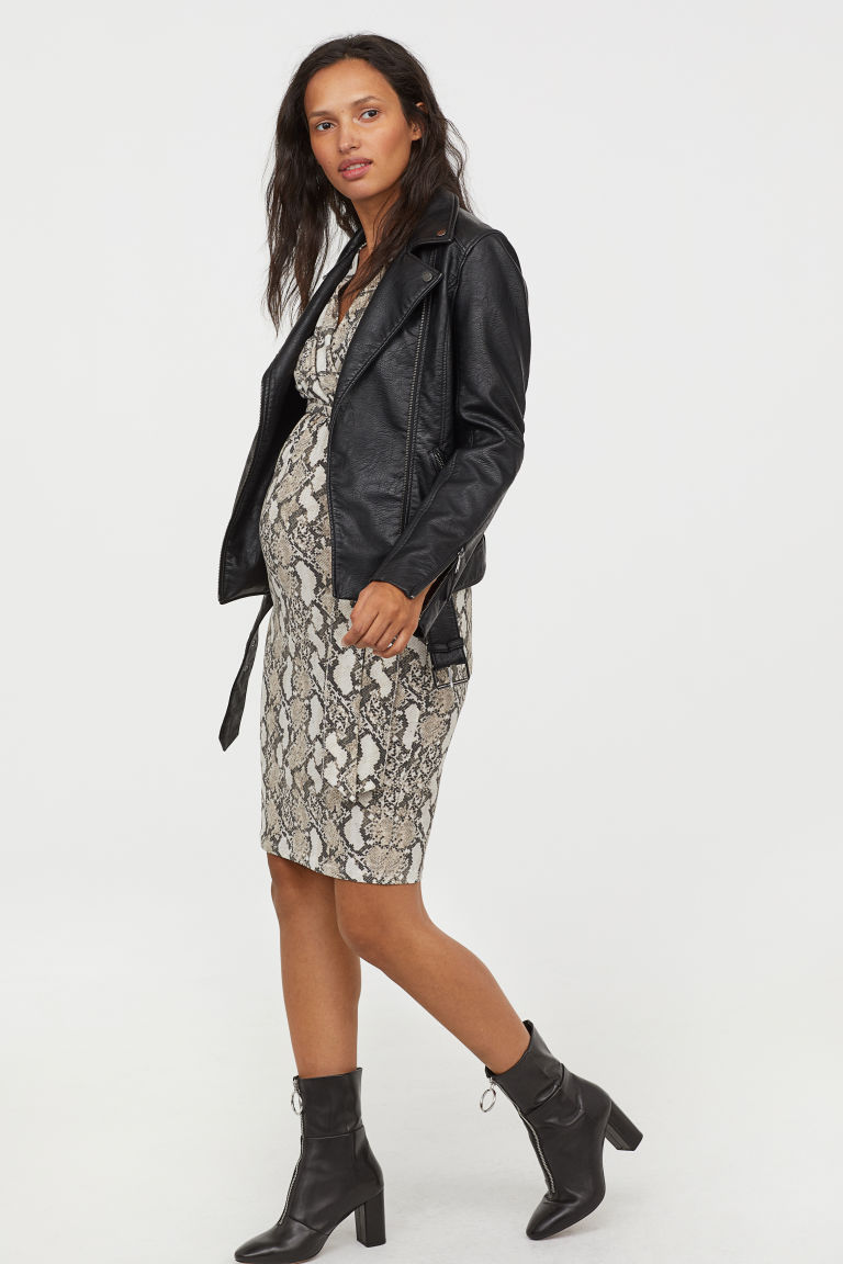 12796c00ddf Best Maternity Clothing Brands and Stores of 2019