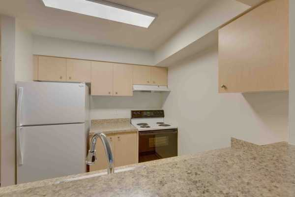 Large kitchen at Excalibur apartments