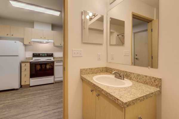 Bathroom and kitchen at Excalibur apartments