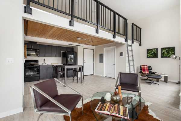 Upstairs loft at Sedona in the heart of Wedgwood