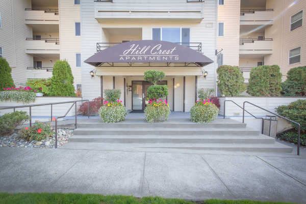 Outside shot of Hill Crest apartments