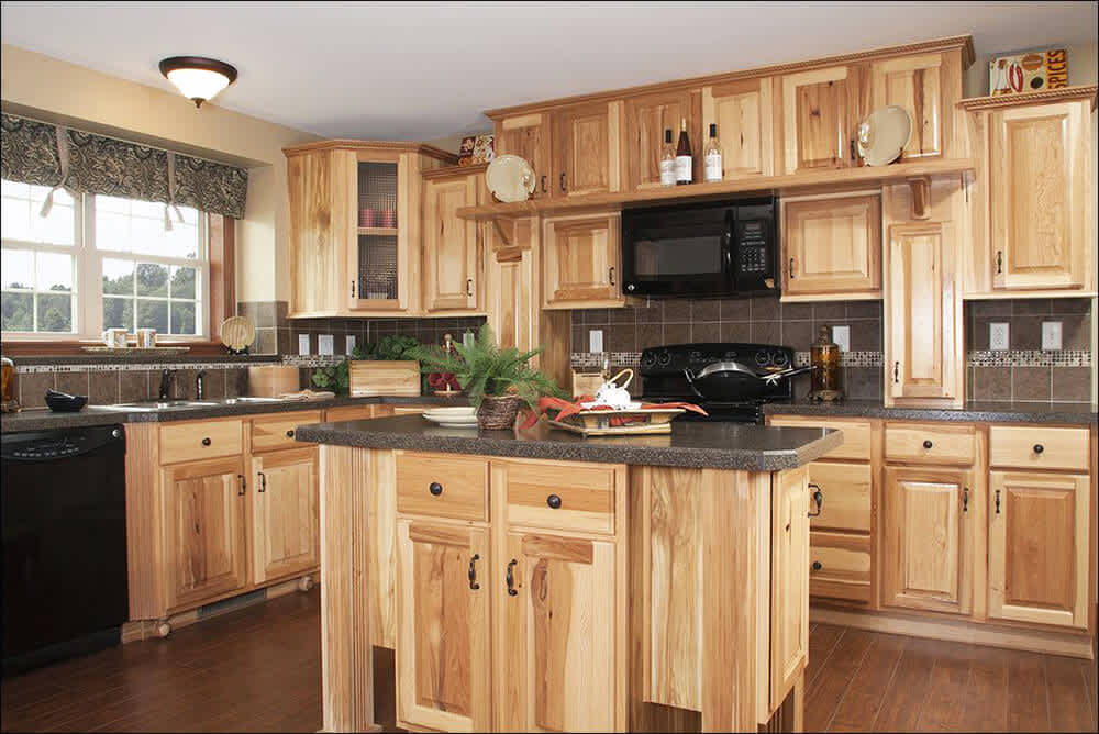 7 Reasons to Choose Oak Kitchen Cabinets for Your Kitchen Renovations