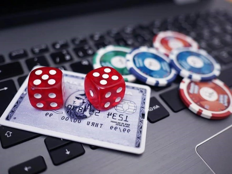 Benefits of Online Gaming – Laptop and Credit Card