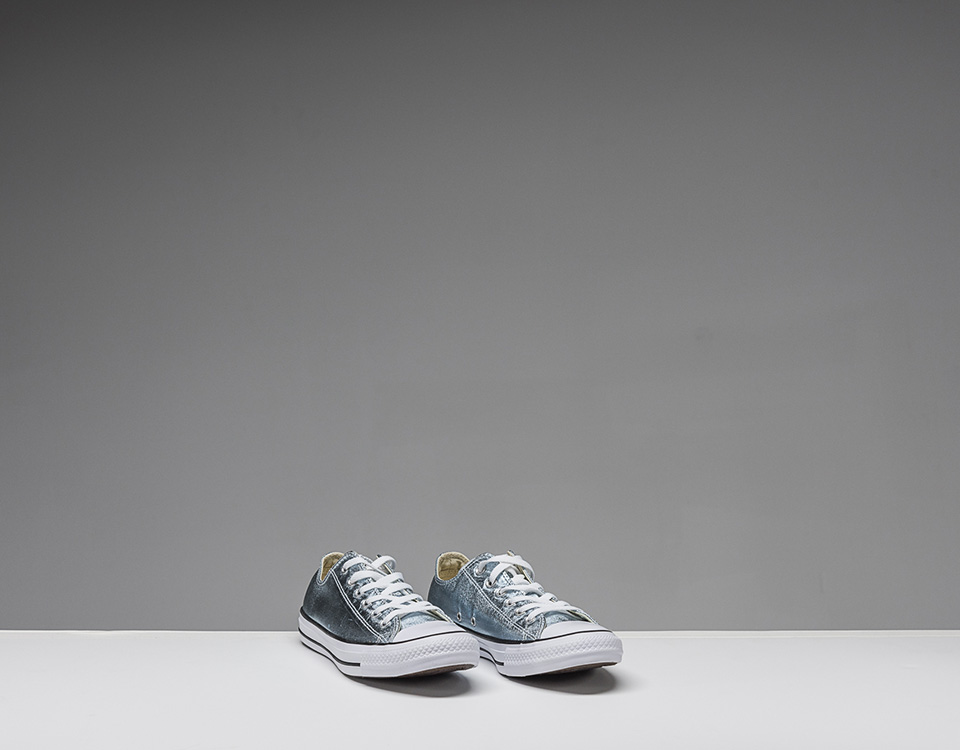 Walking: Converse Chuck Taylor All Star Dainty Low Top