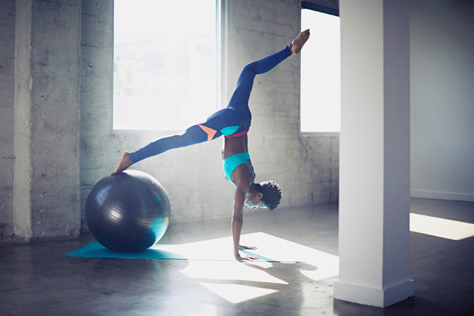 Stability Ball Single-Leg Pike to Handstand