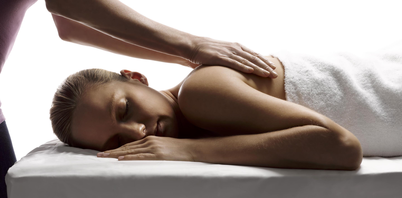 отдалась во время массажа лег спину