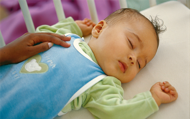 8-tips-to-keep-your-baby-safe-while-sleeping