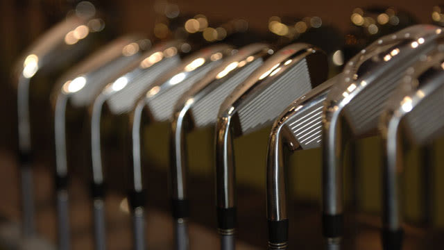 A Quick Nine: Do You Buy Golf Items Online?