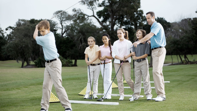 How to pick the perfect junior golf coach