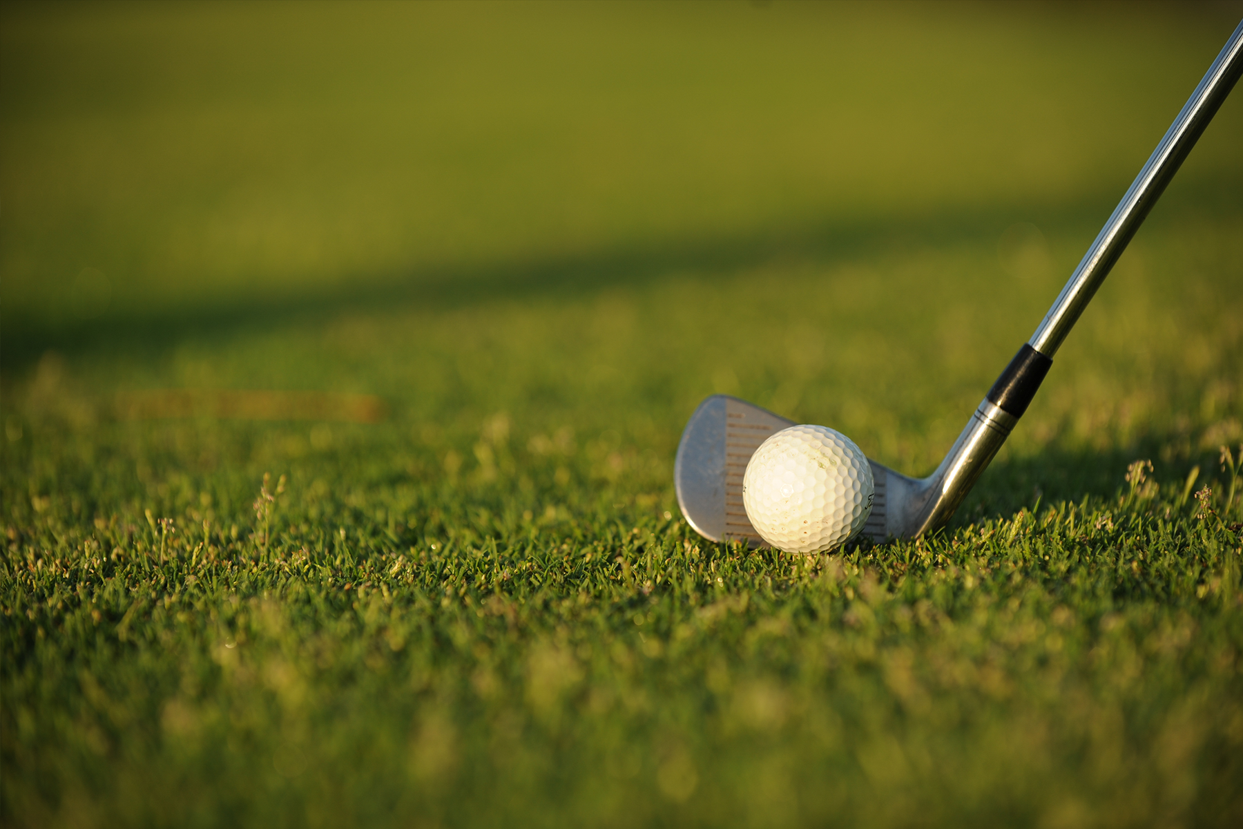 """A Pair of """"Chip Tips"""" from PGA Coach Rob Douglas to Help Improve Your Short Game"""