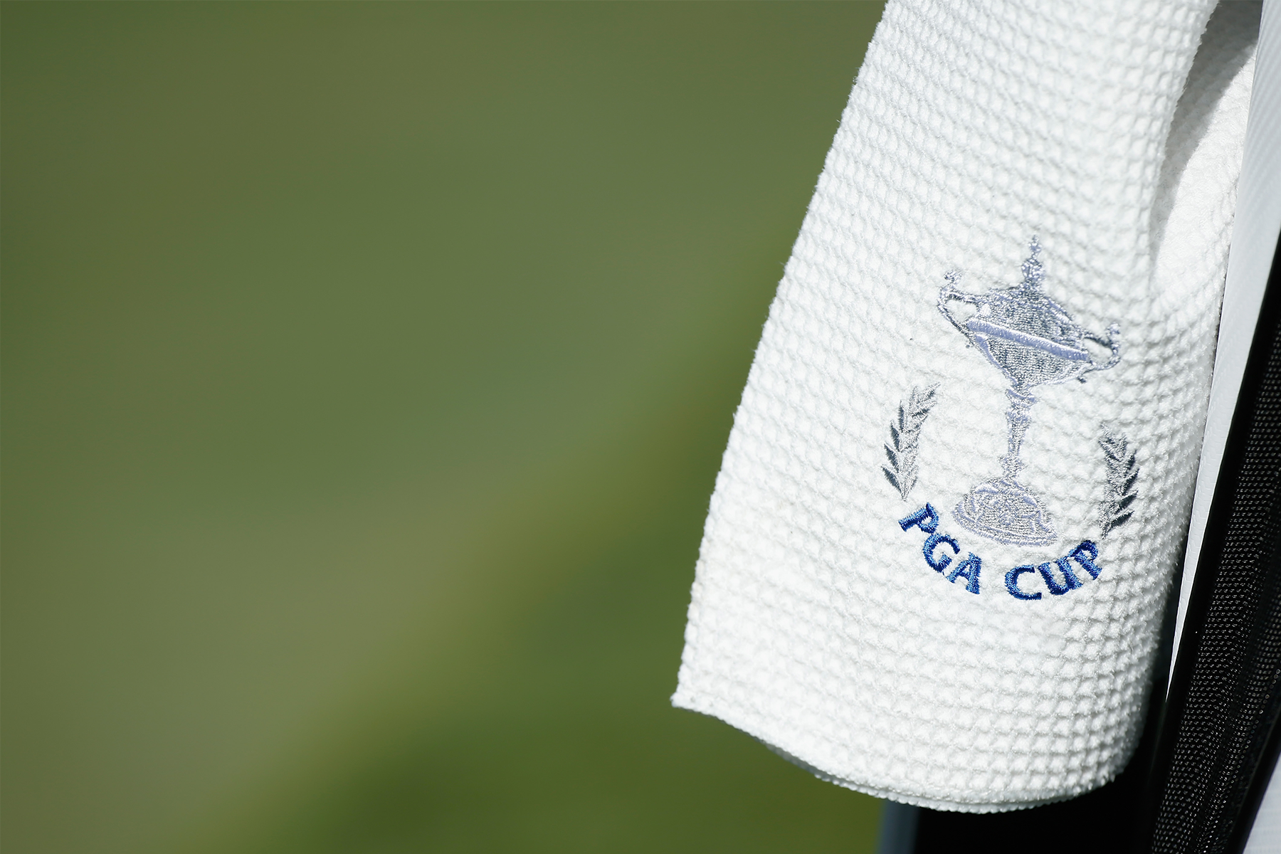 Use a Golf Towel to Improve Your Swing