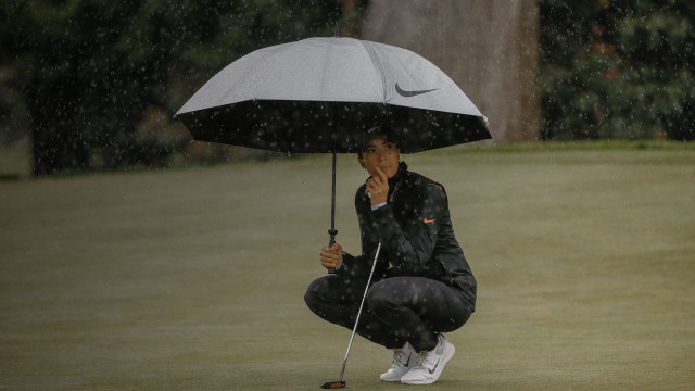 3 Tips to Playing Golf in the Rain