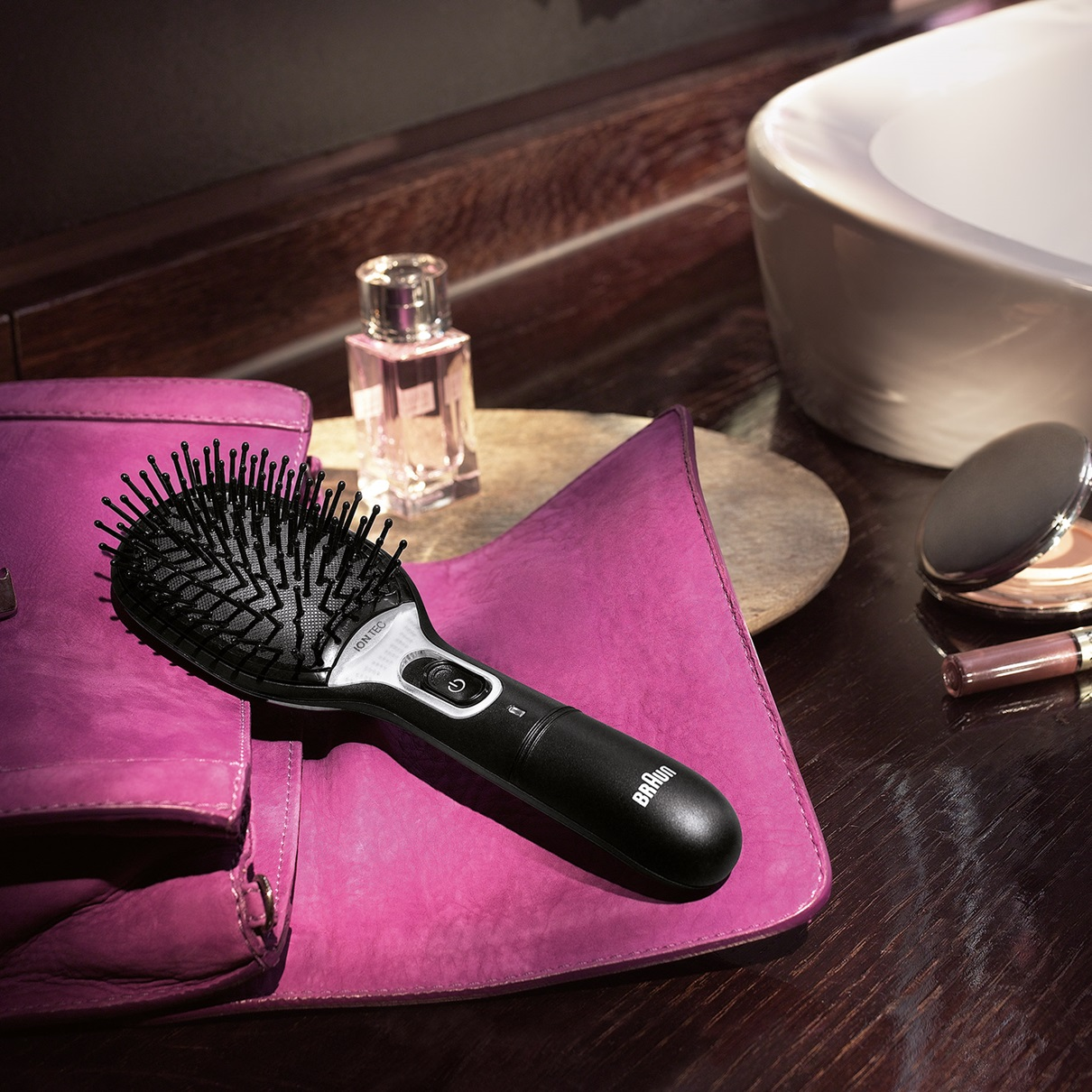 Braun Satin Hair 7 BR710 brush with IONTEC