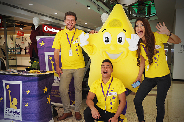 EB Games volunteering at Starlight Day
