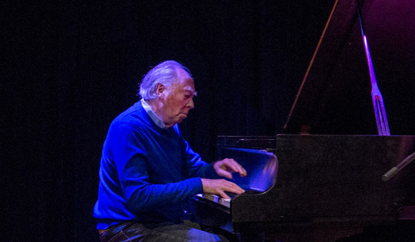 BIFF Offscreen: Michael Snow Plays Piano in Buffalo