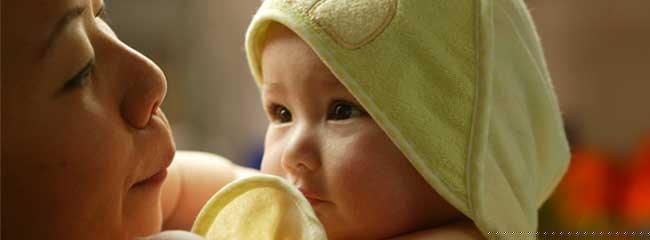 Aprende cómo bañar a un recién nacido