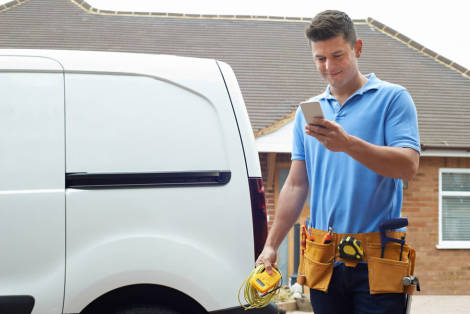 Three Things To Know About Using An Electrician Answering Service