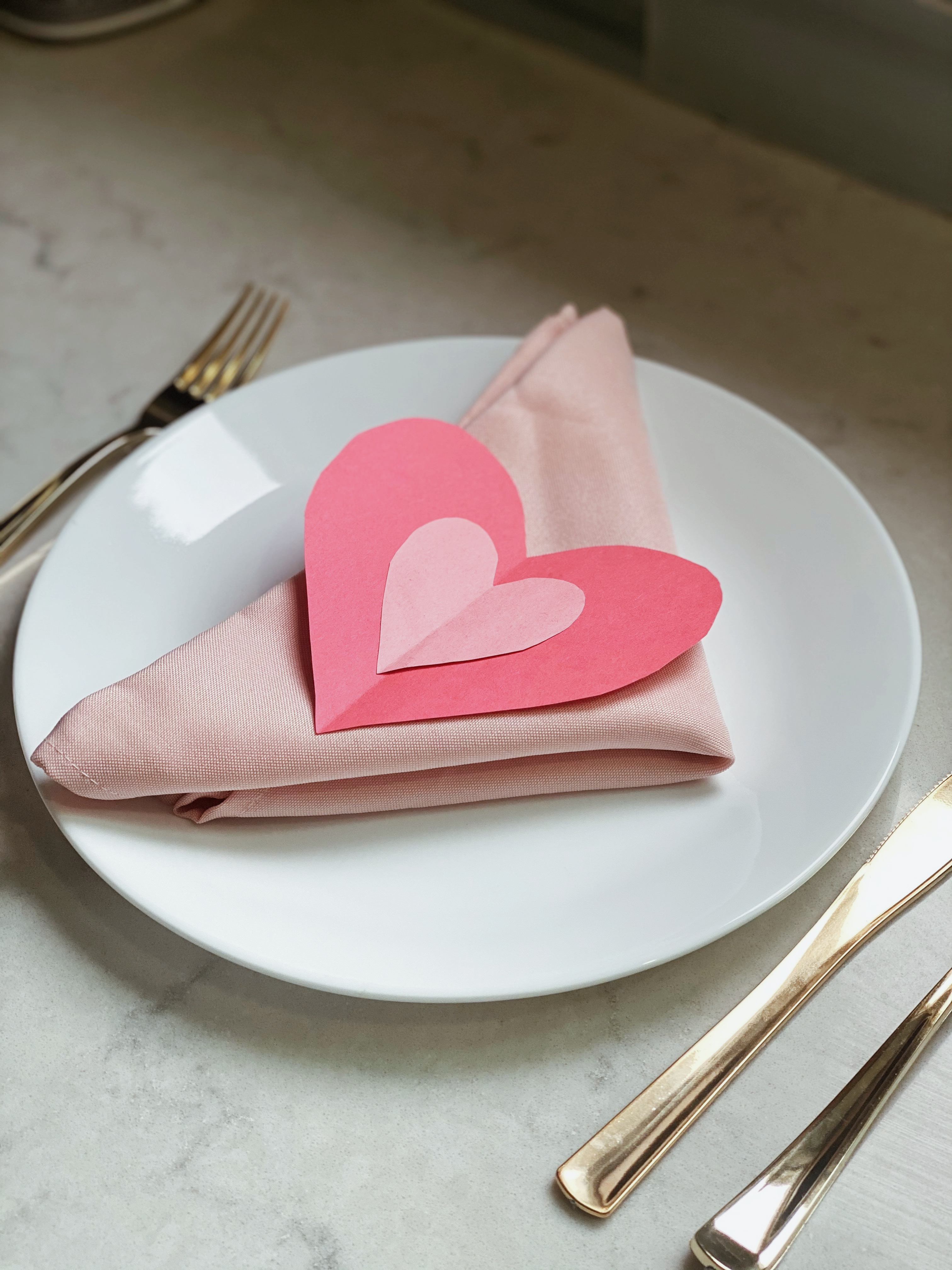 HD-Events Decor Valentines Day craft last minute table setting heart