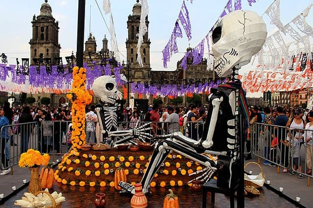 day-of-the-dead-parade-mexico-city-2017-min (1)