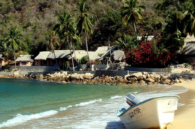yelapa-beach-mexico-min