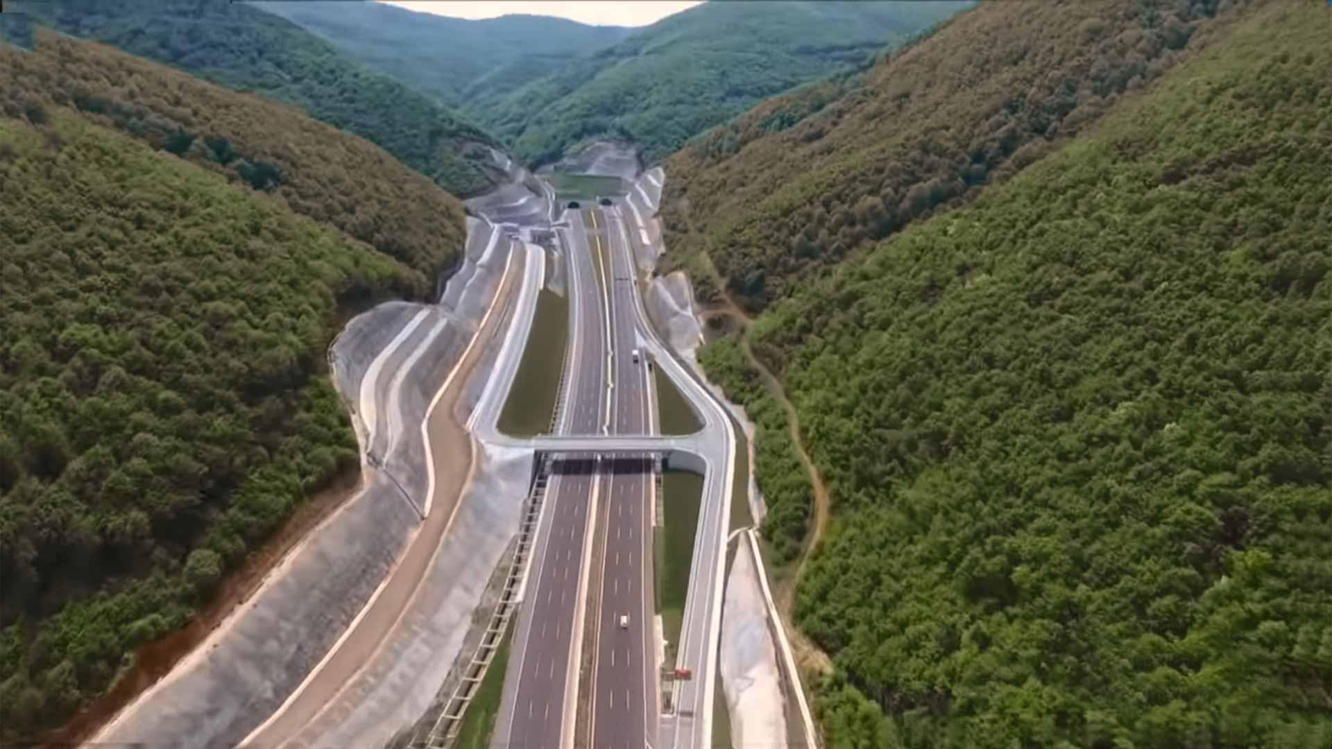 Otoban ve Bölünmüş Yollarda Hız Sınırı?fit=thumb&w=418&h=152&q=80