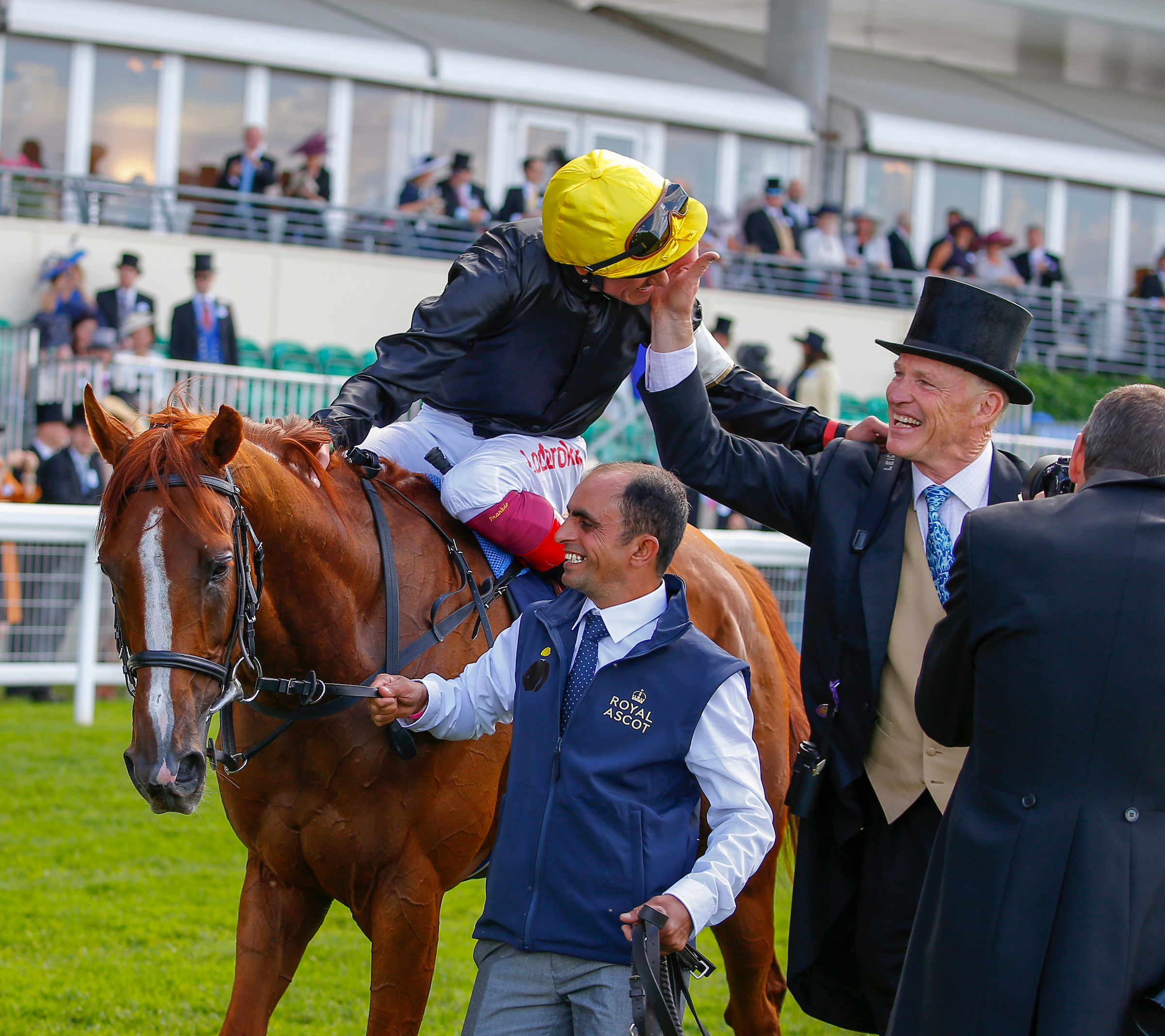 John Gosden and Frankie Dettori celebrate the Gold Cup win of Stradivarius. Pic: Focusonracing