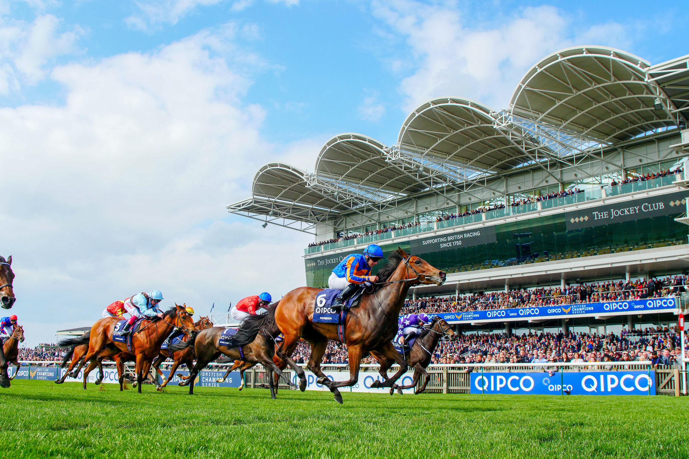 Hermosa leads home her rivals in the Guineas (Focosonracing)
