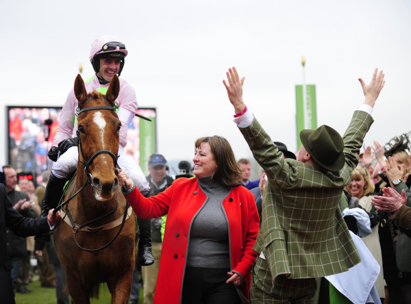 Walsh, Annie Power and Ricci after glory in 2016 (Racingfotos)