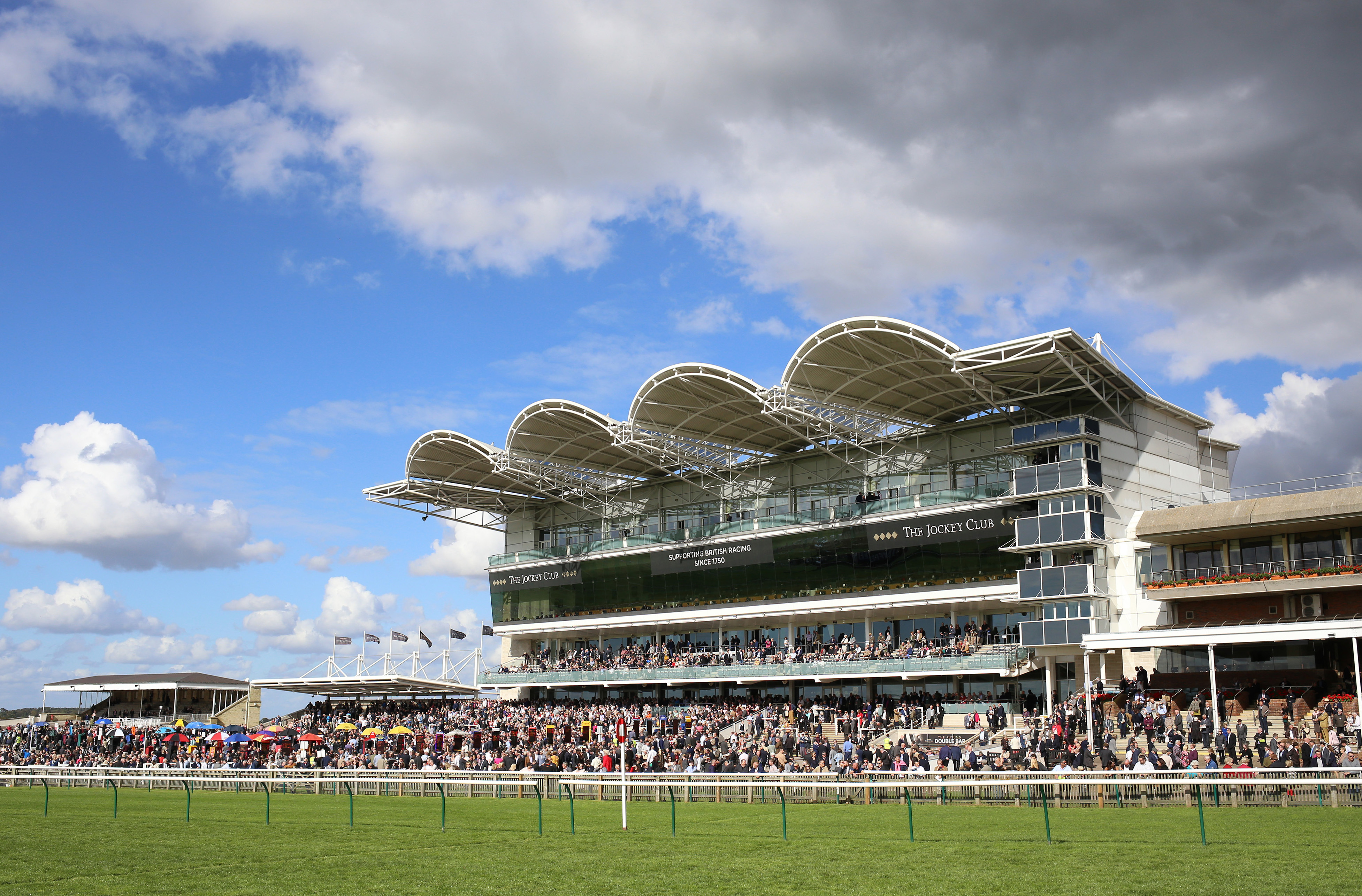 The Cambridgeshire Meeting - Day Three - Newmarket Racecourse