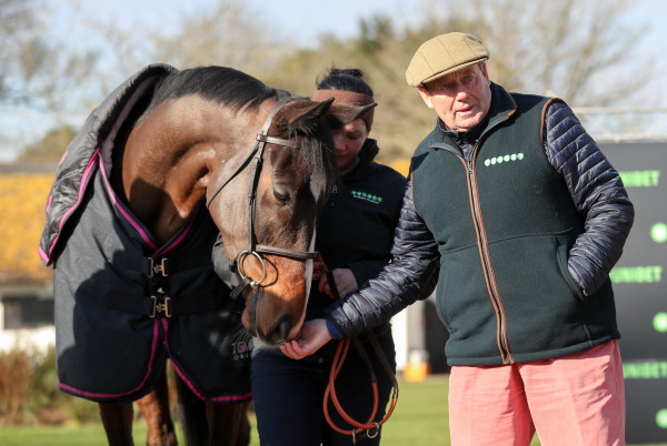 Nicky Henderson Stable Visit - Seven Barrows