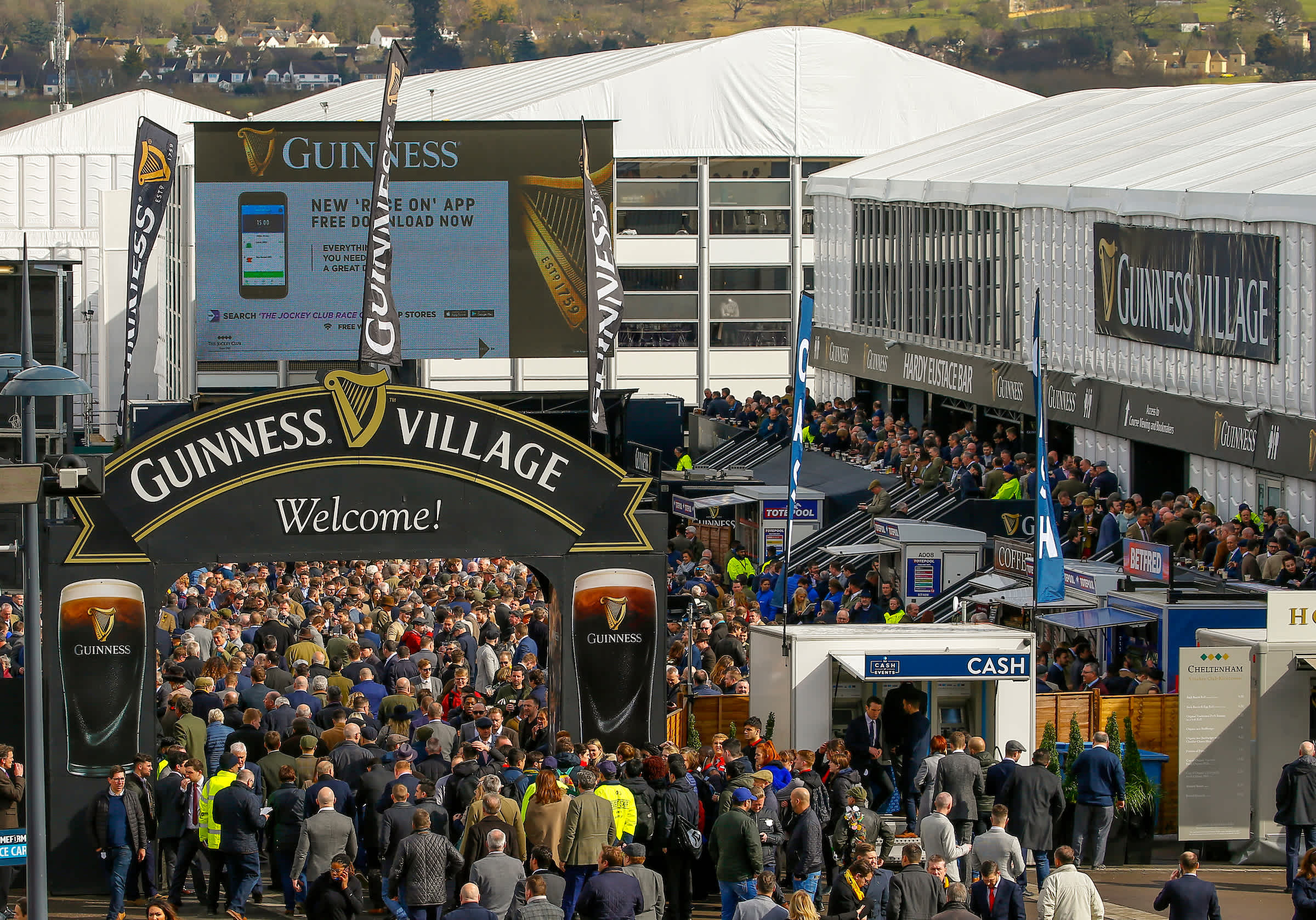 Trade Stands Cheltenham Festival : How to bet your £ on day two of the cheltenham