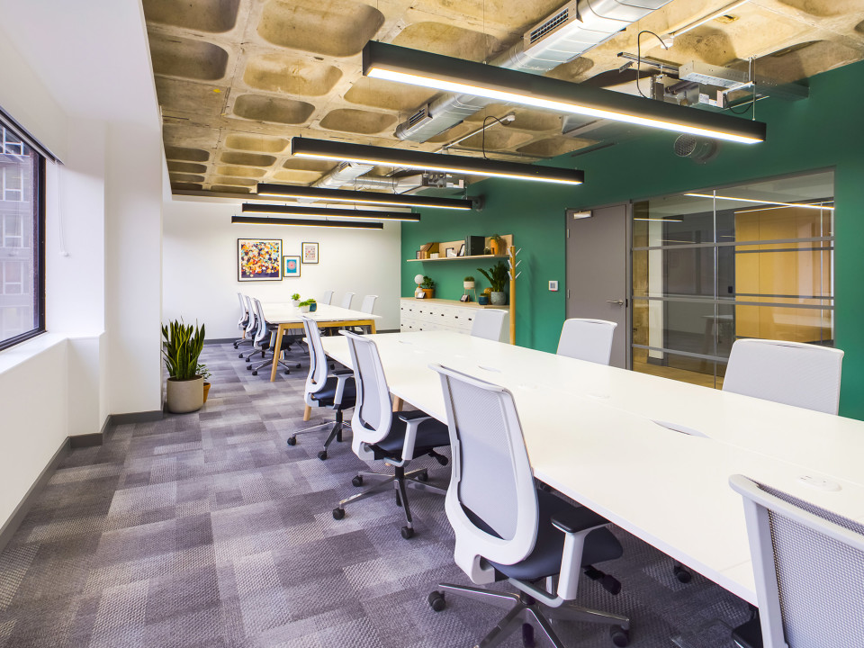 Light and bright serviced offices