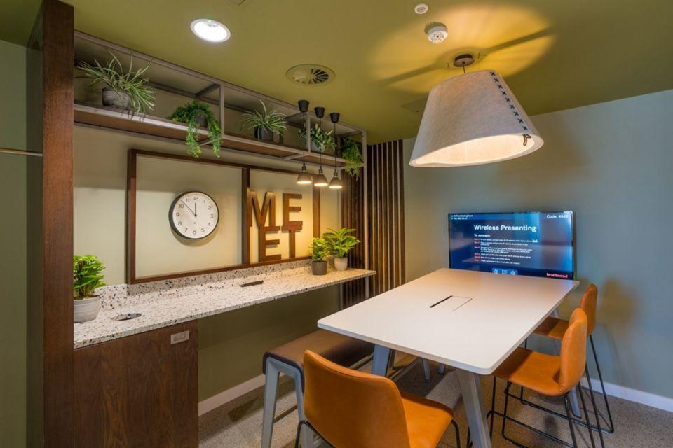 Meeting room - customers receive 25% discount