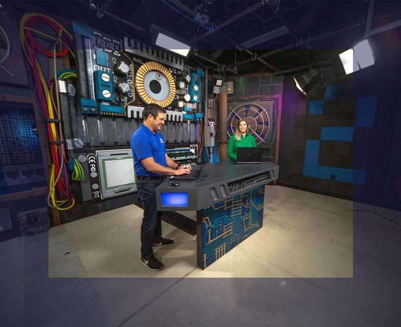 Co-Anchors teach engaging online IT training on an ITProTV sound stage | Hero