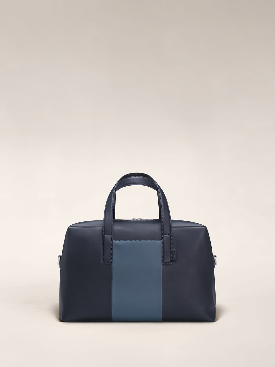 Front view of The Everywhere Bag in Coast/Navy