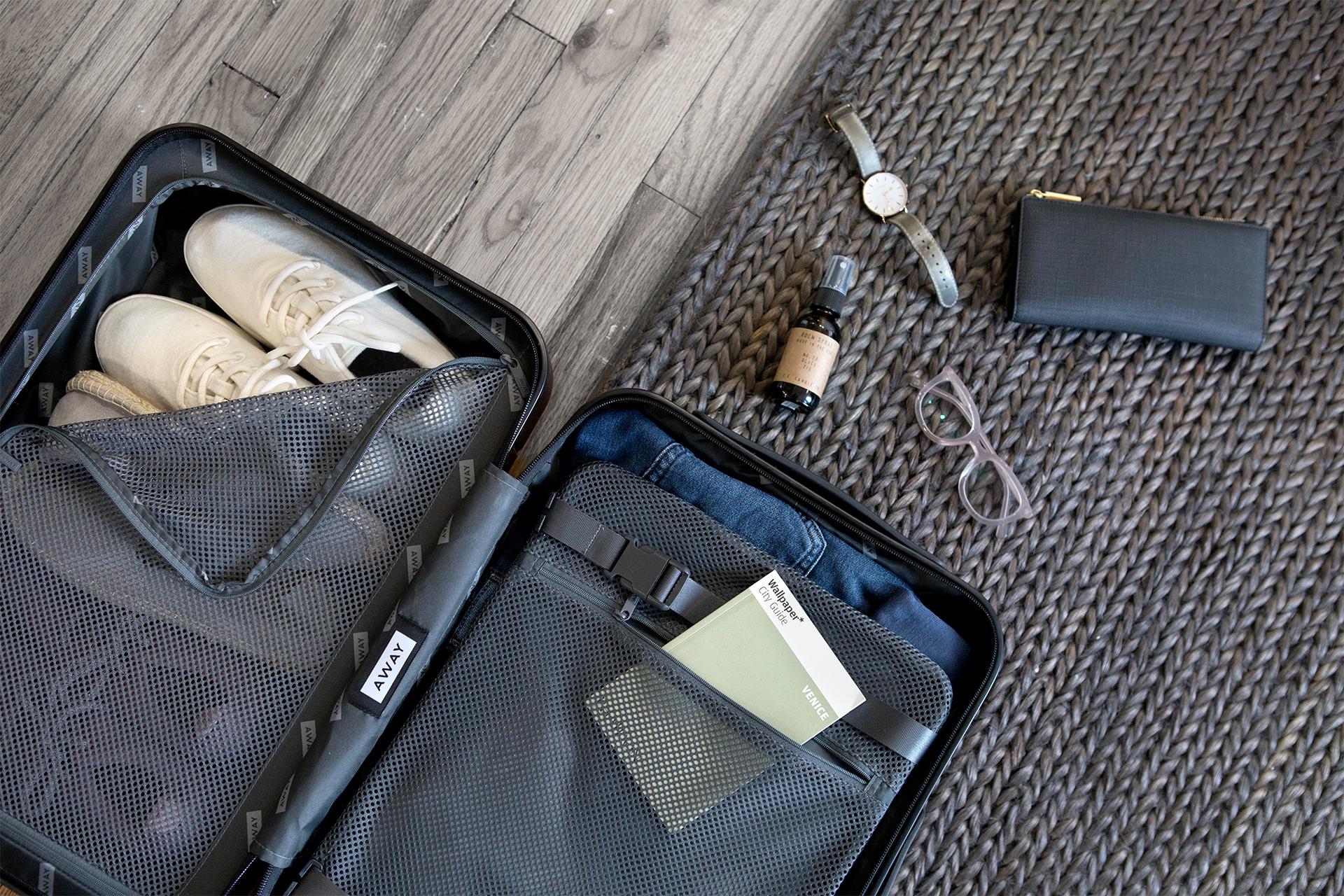 安心の生涯保証がついたAwayのスーツケース