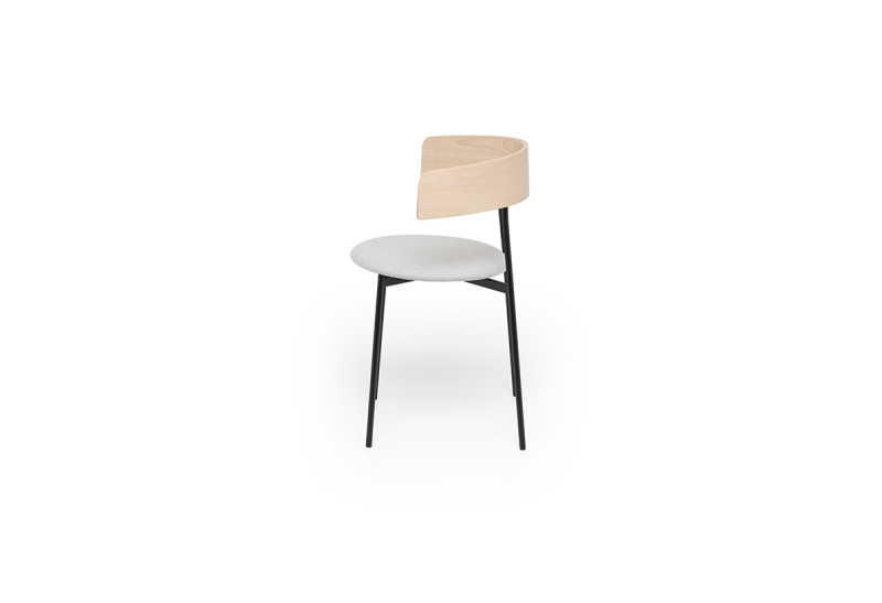 Friday-dining-chair-with-arms-natural-kvadrat-hallingdal-side