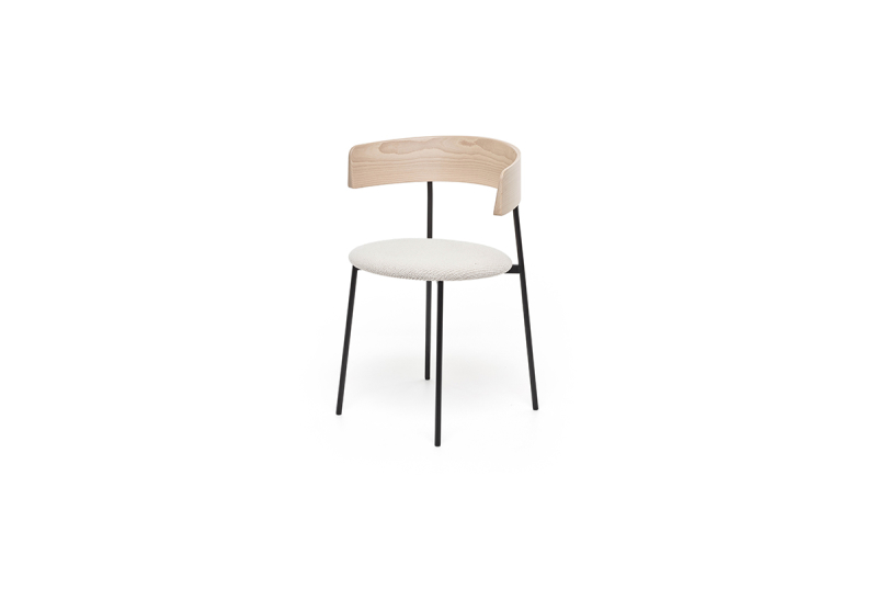 FEST friday dining chair with arms natural back coda 103 sidefront