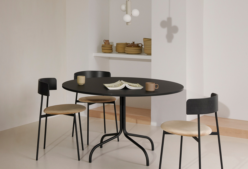Friday dining table 120 friday dining chairs no arms Juke Sand Kaktee